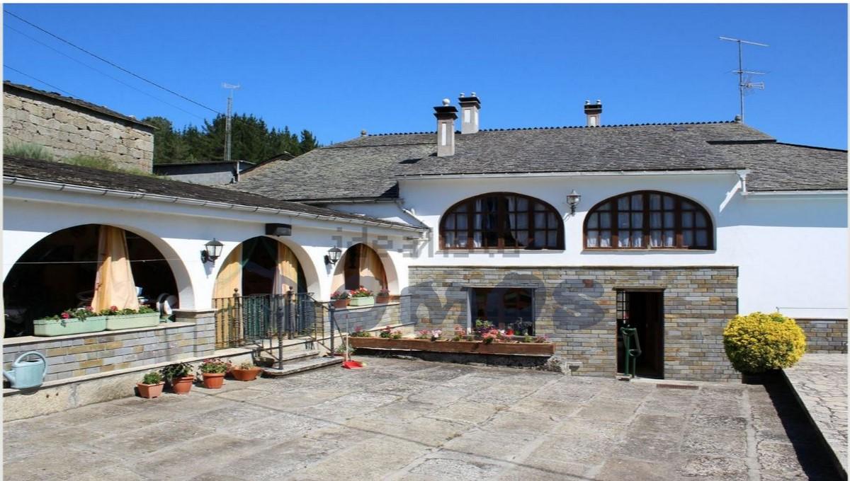 Casa en venta en Castroverde (1)