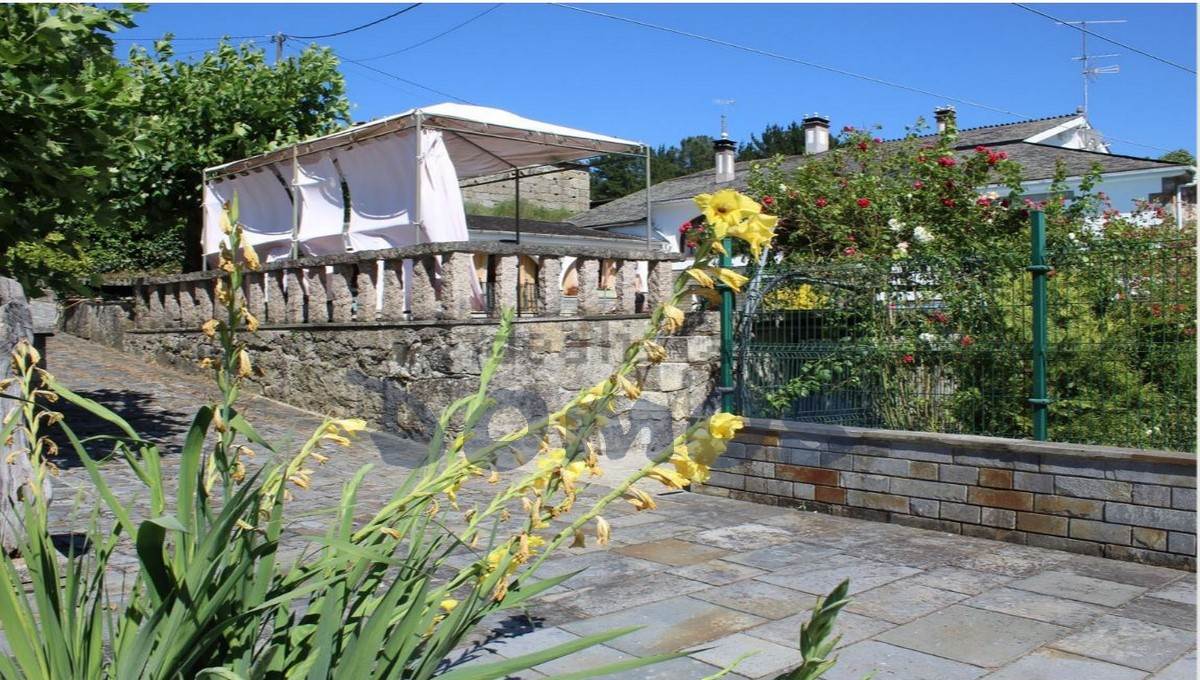 Casa en venta en Castroverde (14)